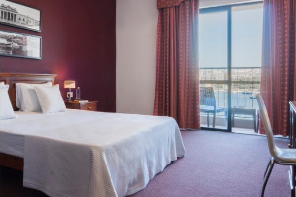 sliema-hotel-family-seaview-room-1-md