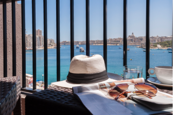 sliema-hotel-family-seaview-room-2-md