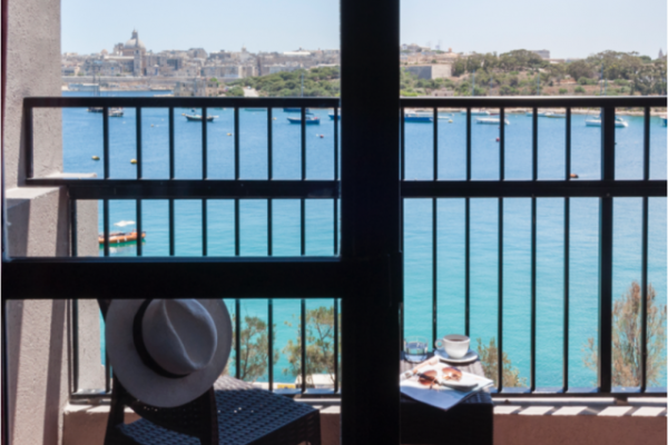 sliema-hotel-standard-seaview-room-1-md