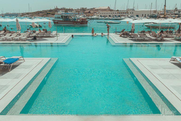 Views pool St hotel